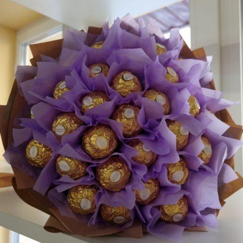 Букет из конфет ferrero фото
