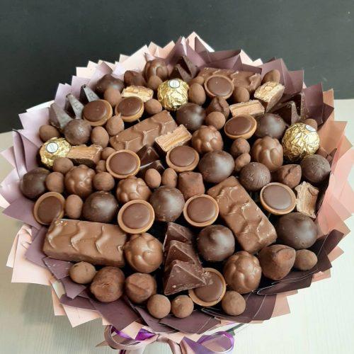 Коробка с конфетами купить