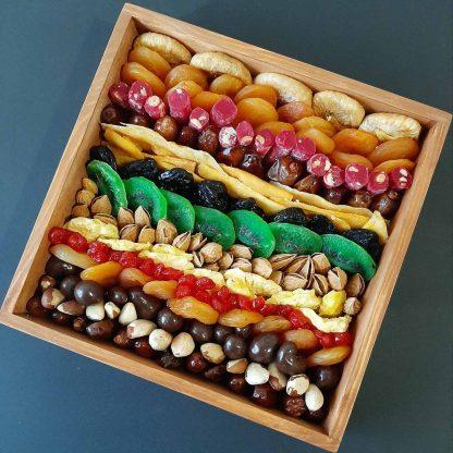Подарочная ореховая коробка с сухофруктами