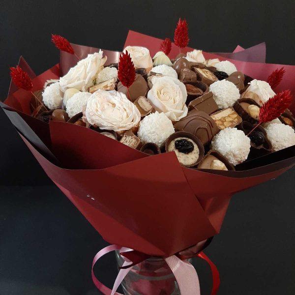 Букет из шоколадных конфет ассорти