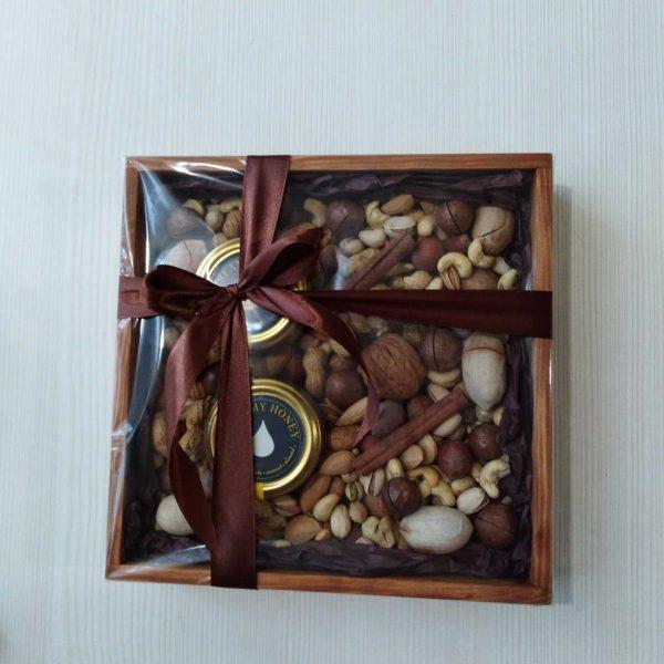 ореховый бокс квадратный
