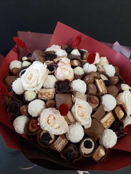 Букет из шоколадных конфет.