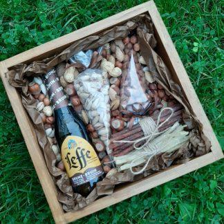 Пивной подарочный бокс с орешками