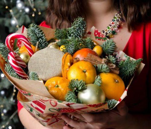 новогодний букет с апельсином