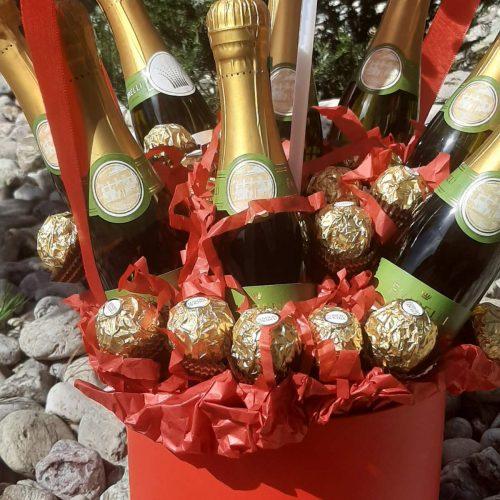 Купить Подарочный Бокс с шампанским и Шаром