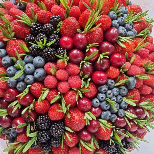 Купить Корзина с ягодами Киев
