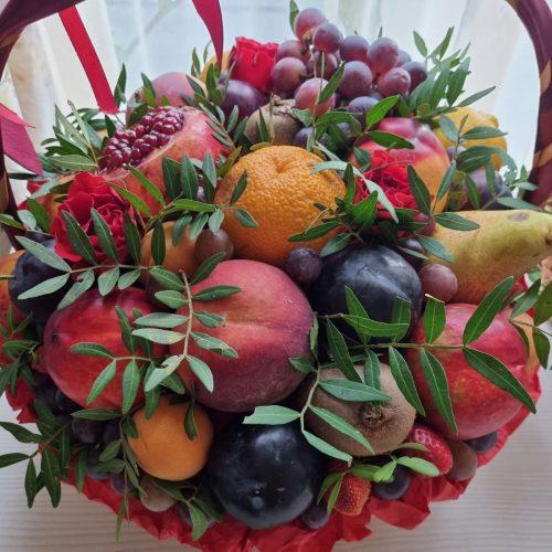 Купить корзину с фруктами в киеве
