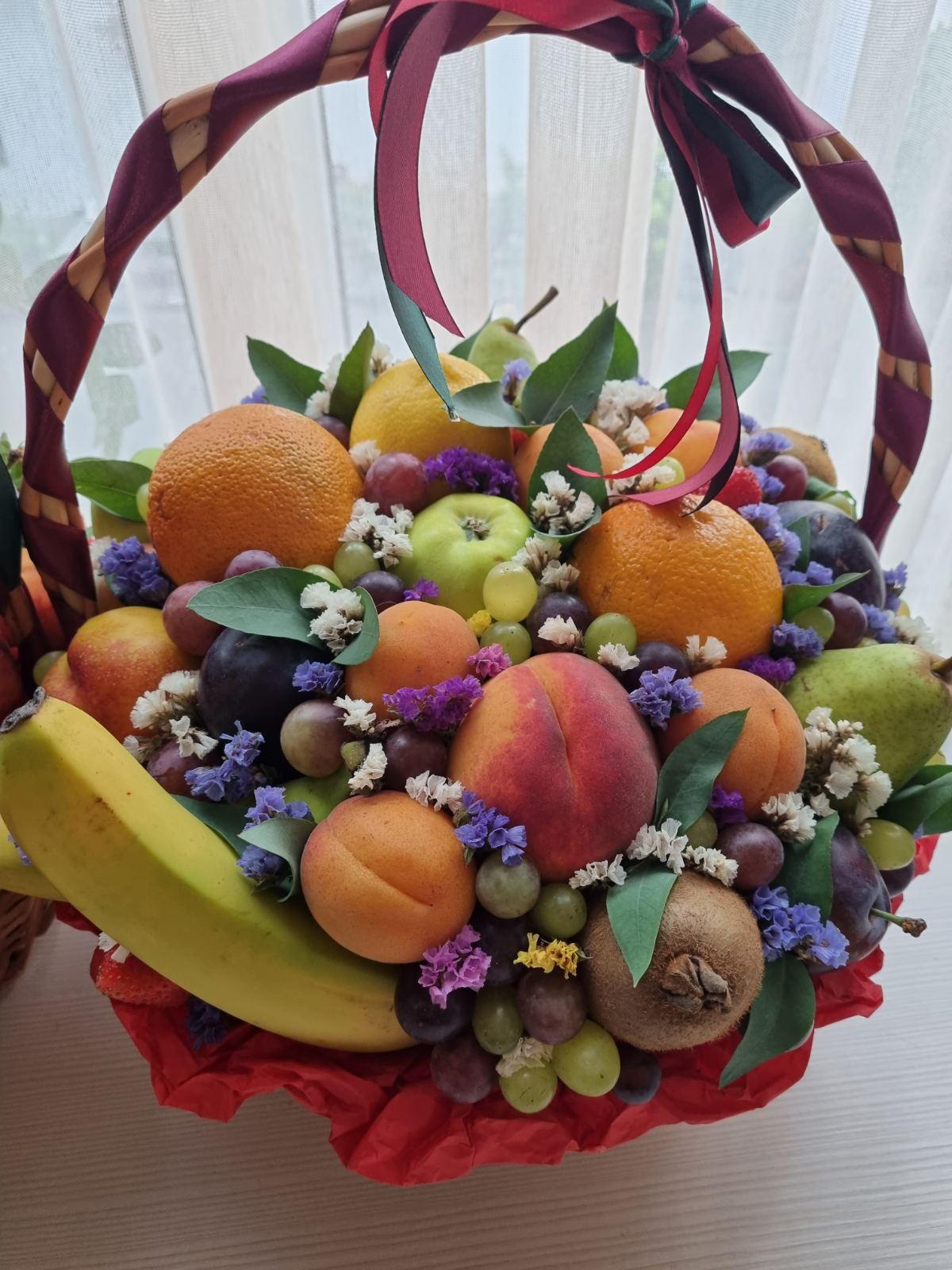 Корзина с фруктами подарочная купить